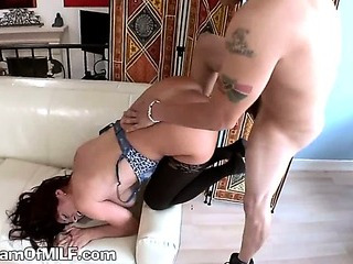 A Sexy Mature Housewife Gets Hot Juice On Her Boobs