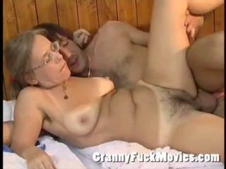 Granny Betsy giving Jos a nice blowjob