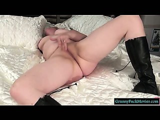 Granny shows us how she wants it