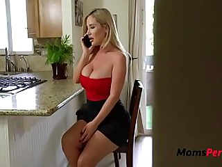Blonde Mom Cheats On Dad While He Cheats On Her